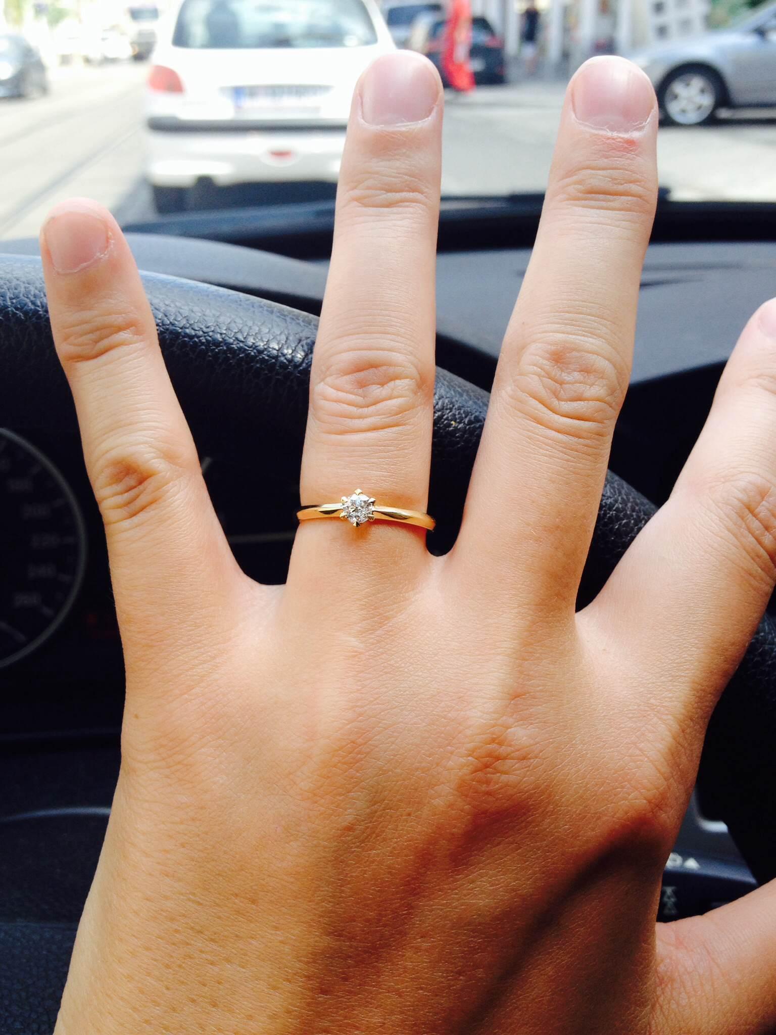 Linda Lukas Verlobung Zu Dritt Heirat At