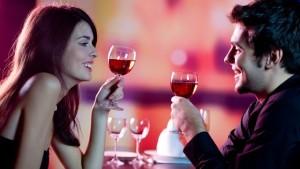 Der Hochzeitswein kann den Hochzeitsgästen als kleines Dankeschön überreicht werden