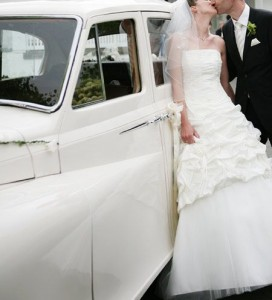 Bei der Hochzeitsplanung sollte das Fahrzeug für die Hochzeit bedacht werden