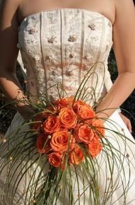 Orange kann in zarten Nuancen eine wunderschöne Hochzeitsfarbe sein