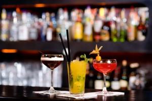 Statt Sekt können Cocktails ebenfalls bei der Agape gereicht werden