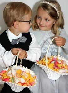 Kinder freuen sich bei einer Hochzeit immer über ein Gastgeschenk