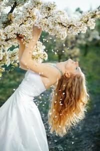 Die Brautmode 2013 hat eine weiche und schlichte Linie