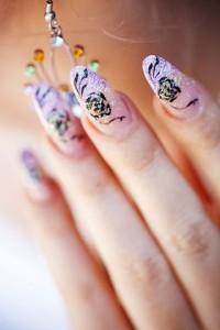 Bei der Hochzeit sollten die Hände und Nägel immer gepflegt sein