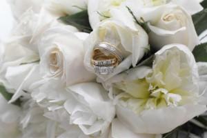 Wenn dem Brautpaar keine Eheringe beim Juwelier gefallen, kann noch der Goldschmied in Betracht gezogen werden