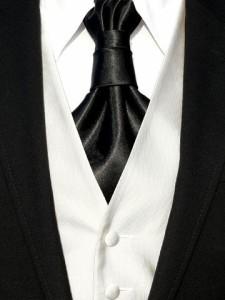 Bei der Hochzeit sollte sich der Bräutigam mit dem Hochzeitsanzug in Szene setzen