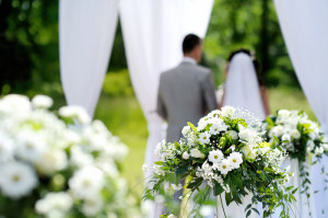 White flowers wedding decorations